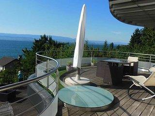Gite l'Escale : vue lac a 180 ° dans un cadre bucolique