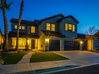 Amazing 5 Bed / 4 Bath Residence with Pool / Spa