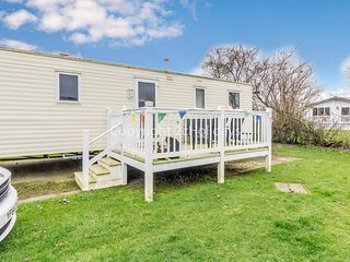 8 berth caravan for hire with decking on Skipsea Sands holiday park ref 41167WF