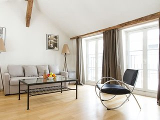 1022. LOVELY 1BR IN THE CENTER OF SAINT GERMAIN DES PRES