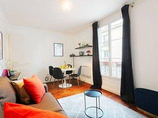 Chic Bastille 1BR Flat - Paris Republique Area