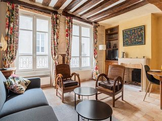 LOVELY STUDIO BY PANTHEON -HEART OF LATIN QUARTER