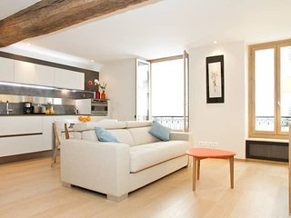 THE HEART OF ST GERMAIN - MABILLON MODERN 1BR FLAT
