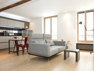 1060. THE HEART OF SAINT  GERMAIN DES PRES! - ELEGANT APARTMENT BY MABILLON