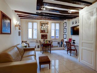 1072. MOST CENTRAL LOCATION IN THE HEART OF THE 1ST DISTRICT NEXT TO LOUVRE