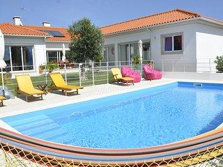 villa' gaivota' 300 m2  avec piscine chauffée