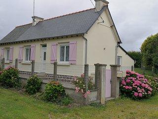 Maison aux Volets Roses, petite maison de campagne pour 2 personnes
