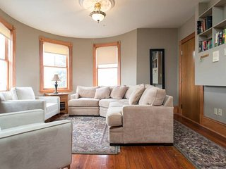 The Mayhew Redline | 2BR 1BA | Walk to the Redline for UMass and Mass General!
