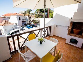 First line central cozy apartment Paraiso Royal LA with WIFI and HEATED pool