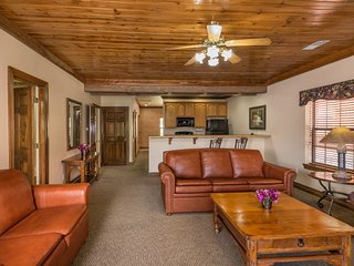 Family-Friendly Condo w/ WiFi, Resort Pools, Dining & Nearby Entertainment