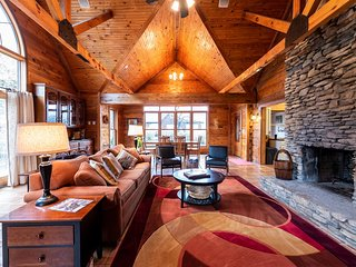 Beautiful Cabin on Horse Farm ★ Right Outside Louisville
