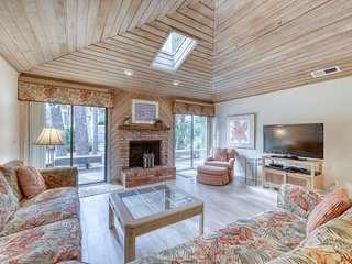 Spacious Sea Pines home four rows from the ocean w/ shared pool & private deck
