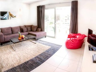 4053. ST JULIAN'S SEAFRONT FLAT ON SPINOLA BAY WITH BALCONY AND BEAUTIFUL VIEWS