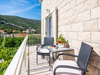 Rooms Duja - Superior Double Room with Balcony and Garden View (Duja)