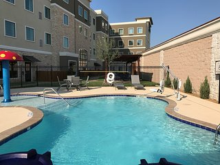 Hearing Accessible Suite | Outdoor Pool + Free Wi-Fi, Free Breakfast