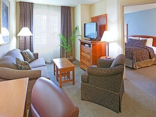 Mobility Accessible Suite | Outdoor Pool + Free Wi-Fi, Free Breakfast
