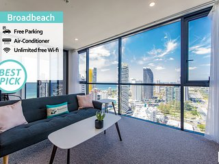 KOZYGURU | Broadbeach | AMAZING VIEW | 2 BED APT + FREE PARKING |  Walk to Beach