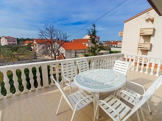 Novalja Apartment Sleeps 6 with Pool and Air Con - 5828780