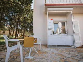 Novalja Apartment Sleeps 2 with Pool and Air Con - 5828777
