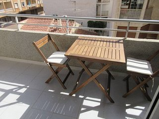 2-bedroom Apartment Ideally Located Between The Sea And The City Center