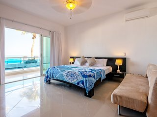 2 Bedroom Beachfront Apartement