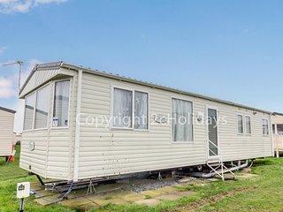 3 bedroom caravan for hire at California cliffs holiday park ref 50052G