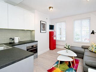 F4 Greek Street - F4G 1 bed with sofa bed in Soho West End