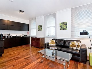 Apartment 3, 48 Bishopsgate - 3BG 1 bed in the City with air con & sofa bed