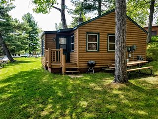 Minocqua Shores Resort- Cabin 1