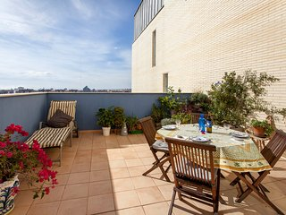 Penthouse with terrace, pool and parking in Valencia