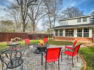 NEW! Cheery Cottage w/Yard: Marietta Square < 1 Mi