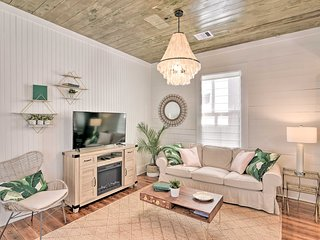 NEW! Modern Cottage: By Beaches, Dining, & Parks!
