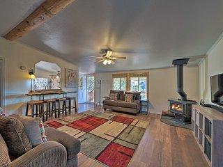 NEW! Cozy Home w/ BBQ & Deck, 19 Mi to Ski Apache!