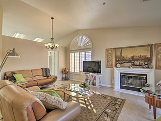 Modern Desert Oasis w/Spa & Mtn Views, 1Mi to Dwtn
