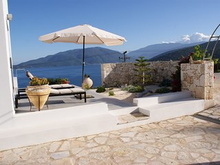Superb luxury villa with private pool & panoramic sea views -edge of Agia Efimia