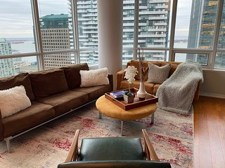 PRESIDENTIAL SUITE in Maple Leaf Sq on Raptors Way