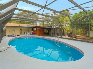 Heated Pool ❤ Home - Very Close To Siesta Beach, Restaurants, Shopping & More!