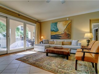 Charming Gulf front condo w/courtyard & partial gulf view - free WiFi!