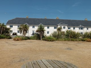 The Ambrose Suite - SEA VIEWS -3 BED -  CLOSE TO BEACH