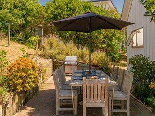Sunshine Grove Retreat - Onemana Holiday Home, Onemana