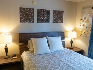 Quiet, lovely 2 Bed 2 Bath