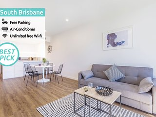 Luxury River View 2Bed APT + FREE PARKING | South Brisbane QSB038