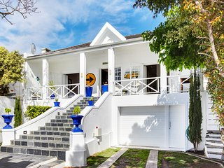 Authentic Green Point Villa on the Green Point Echo Park
