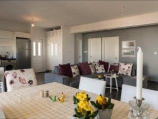 Sea Magic Park A2-1Three bedroom garden apartment, holiday rental in Agios Amvrosios
