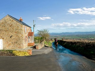 Romantic, perfect for couples, 5*Gold self-catering holiday cottage with garden