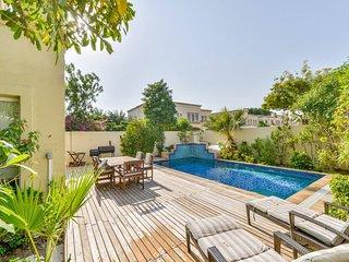 Premium 4 Bed Villa | Private Heated Pool | BBQ | Medlock Villas Dubai