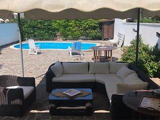 Villa con piscina e vicina alla spiaggia di Torre dell'Orso Pt54