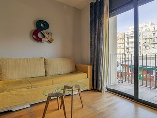Spacious 2BR flat in Eixample- Arrival 24 hrs wifi- Int