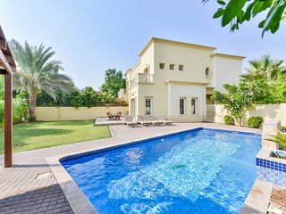 Executive 4 Bed Villa | Private Heated Pool | Lake View | Medlock Villas Dubai