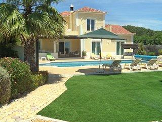 Villa Novo Paraiso , 10 x 5m pool, uktv, free wifi